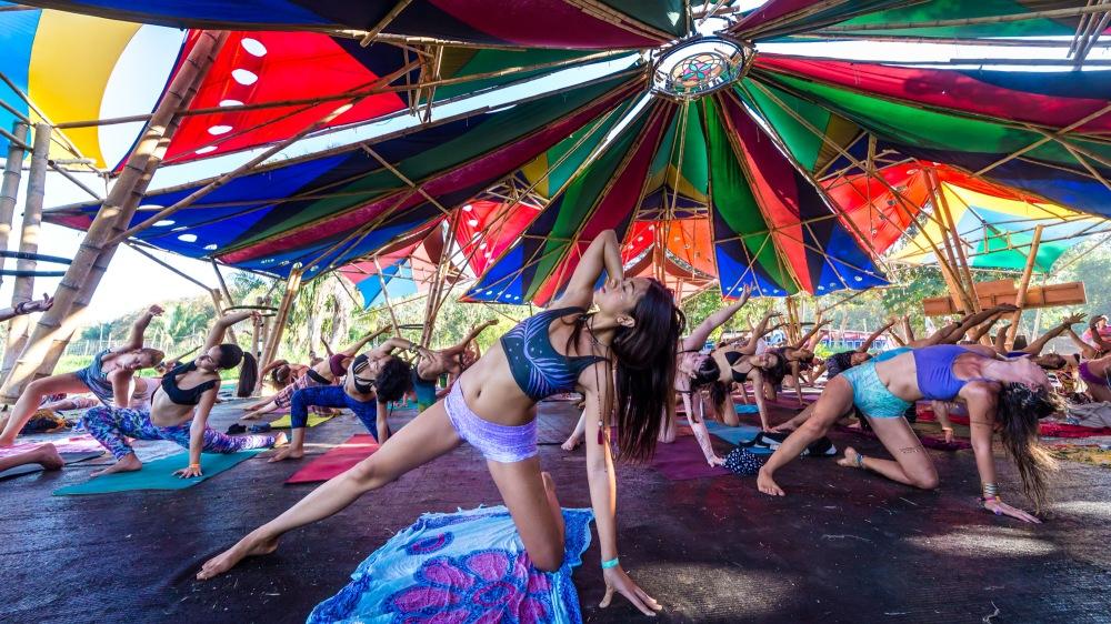 JacobAvanzato_Girl-Doing-Yoga-On-Blanket